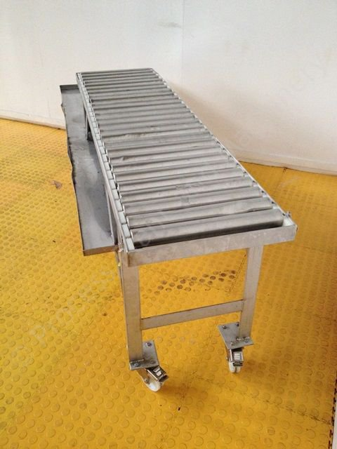 Stainless Steel Gravity Roller Conveyor With Draining